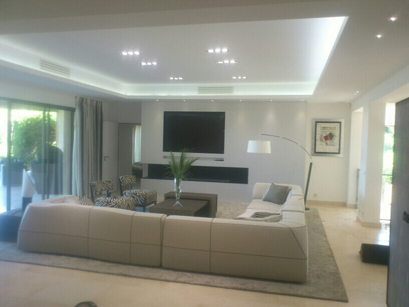 Faux plafond corniche lumi re indirecte dream house for Eclairage led interieur plafond